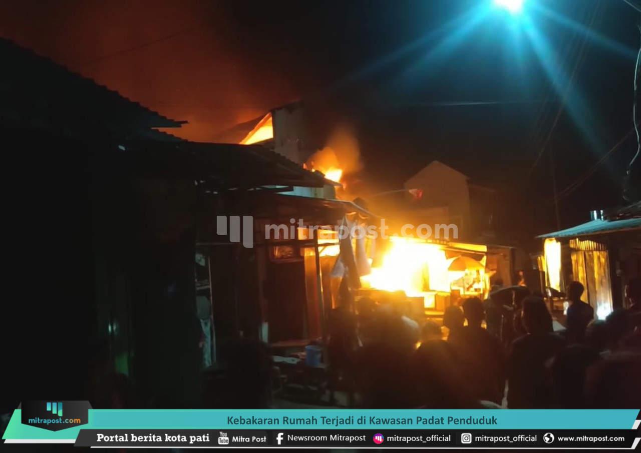 Kebakaran Rumah Terjadi Di Kawasan Padat Penduduk