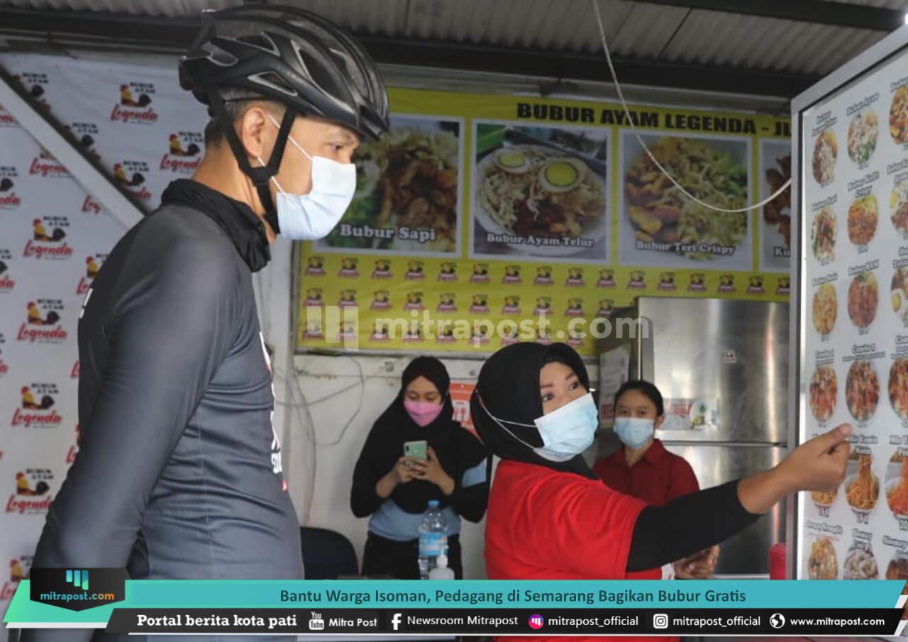 Bantu Warga Isoman, Pedagang Di Semarang Bagikan Bubur Gratis