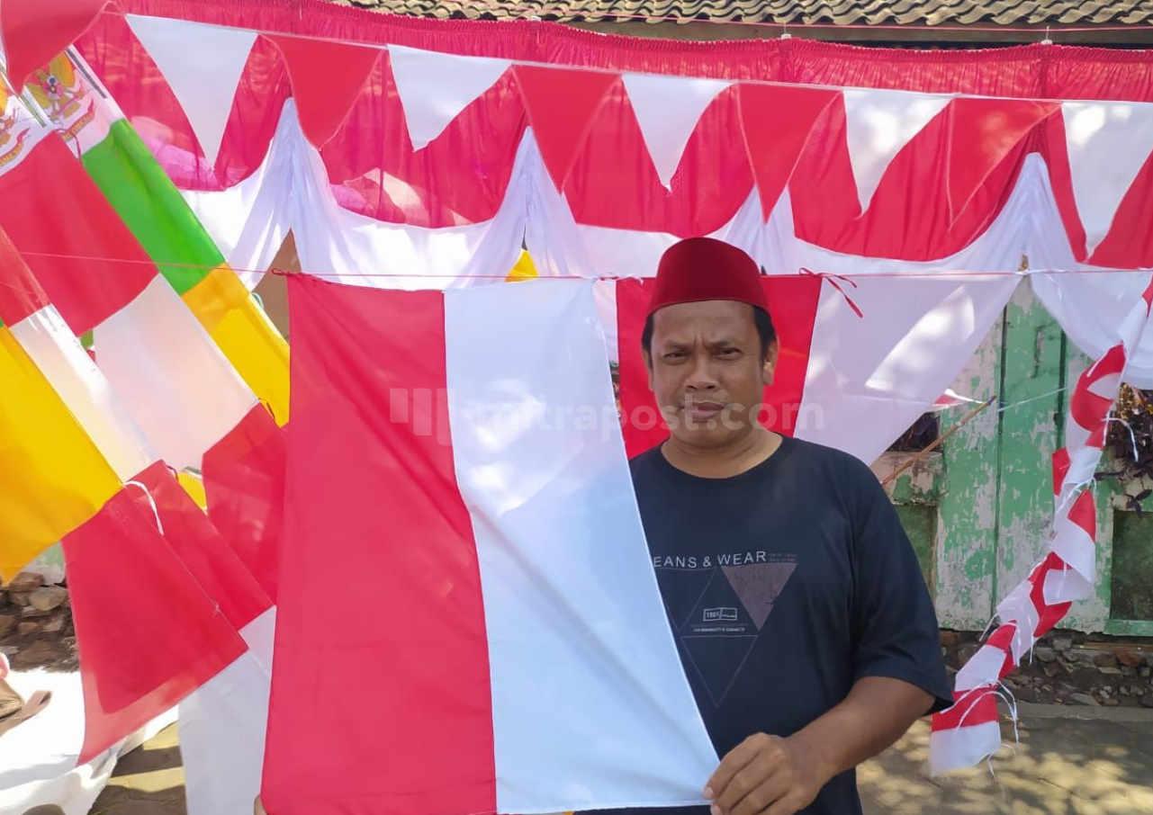 Imbas Ppkm Penjualan Bendera Di Pati Turun 50 Persen - Mitrapost.com