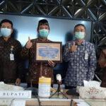Penyerahan Penghargaan Predikat - Mitrapost.com