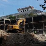 3 Tahun Lebih Terbengkalai, Bangunan Pasar Banjarsari Pekalongan Mulai Dibongkar