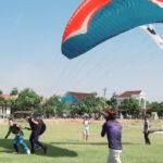 Bupati Harapkan Paralayang Jadi Pendukung Tempat Wisata Di Kendal